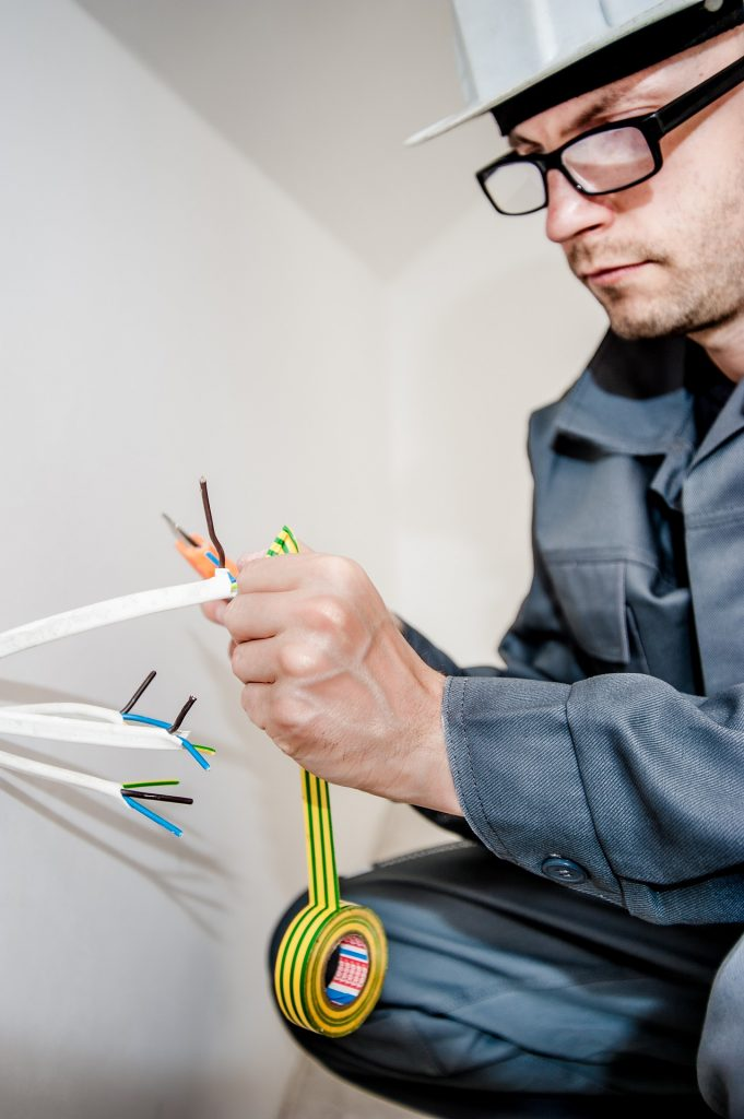 Why Include an Electrician in your Home Renovation Plan?